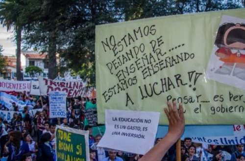 170873-dia-de-protesta-habra-paro-y-marcha-de-docentes-en-el-centro-saltenio