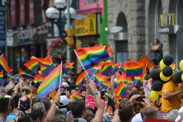 gay-1453594_1920.jpg