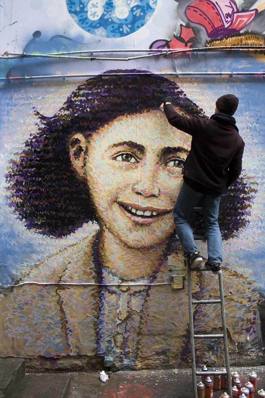 Jimmy_C_Anne_Frank_Street_Art_Berlin_2413-1