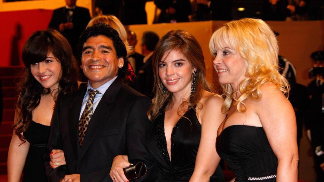 maradona-kExD--1240x698@abc.jpg